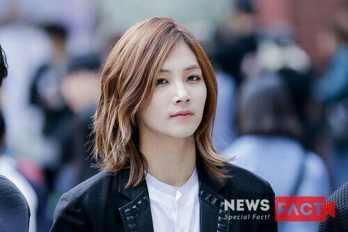 Korea Korean Kpop Idols Boy Band Groups Seventeen Jeonghan S Envied Hair Long Hair Hairstyles For Guys Kpopstuff Korean Hairstyle Jeonghan Long Hair Styles