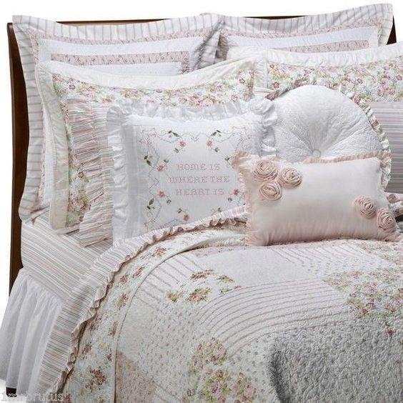 Vintage chic campbell queen quilt cabbage roses pink for City chic bedding home goods
