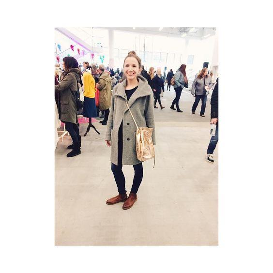 #EBBA von #ElektroPulli  Sitzt passt und sieht suuuuuuper aus! @holyshitshopping #hamburg EBBA wird übrigens in feinster Handarbeit in Deutschland für dich angefertigt #fairfashion #fairproduced #slowfashion #slow #slowandsexy  #blogger_de #blogger #fashion #fashionblogger #fashionblogger_de #fashionblog #bloggerstyle #bloggers #vsco #vscocam #vsco #picoftheday #design #designers #designlife #designmarket #designmarkt