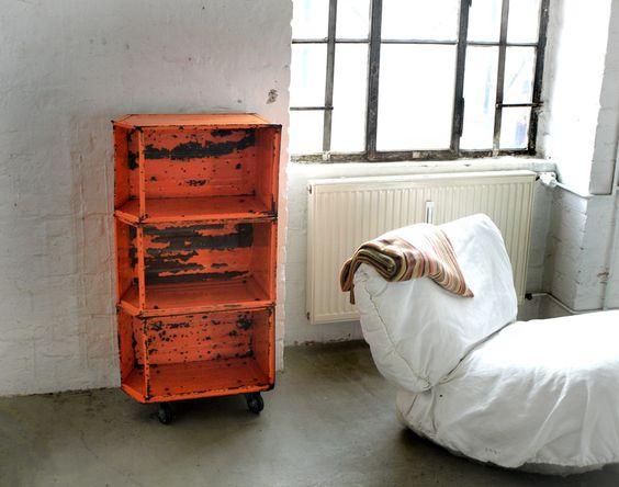 Loft-Regal, Eisenregal aus alten Eisenkisten von PRACHTWORKS auf DaWanda.com