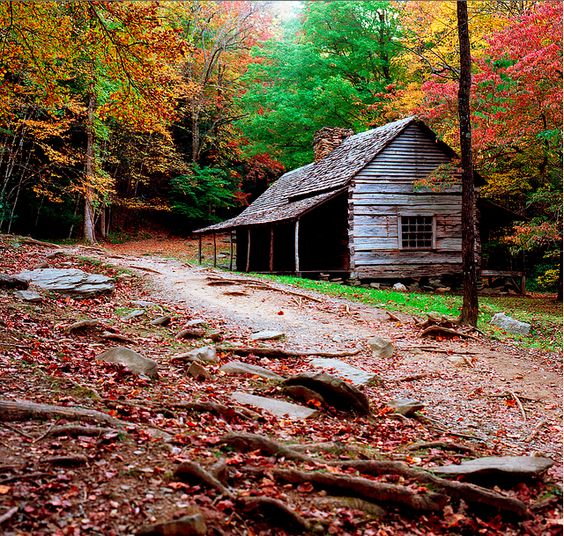 Old Cabin on Cherokee Orchard Road in Gatlinburg, Tennessee.