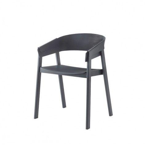 De Cover chair van Muuto ademt de Scandinavische stijl.  Ook verkrijgbaar met gestoffeerde zitting. www.houtmerk.nl/Muuto-Cover-Chair-hout-essen-eiken-beits-stoel