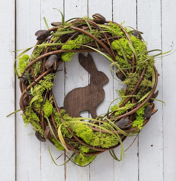 Hey, I found this really awesome Etsy listing at https://www.etsy.com/pt/listing/268835539/easter-wreath-with-rabbit-spring: