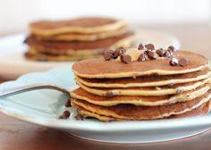 Le yaourt grec et les protéines en poudre saveur vanille vous permettent de faire le plein de protéines avec cette recette de pancakes. Utilisez la recette de base, et ajoutez les ingrédients que vous préférez. Conseils sur : http://blog.moncoach.com/