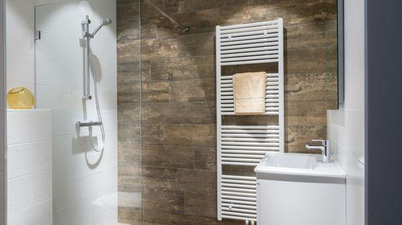 Polyester Wanden Badkamer ~ Kleine badkamer van Baderie in de pure woonstijl met onder andere
