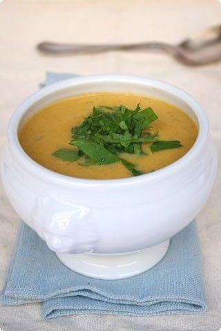Zuppa di zucca, curry e cocco   il cavoletto di bruxelles