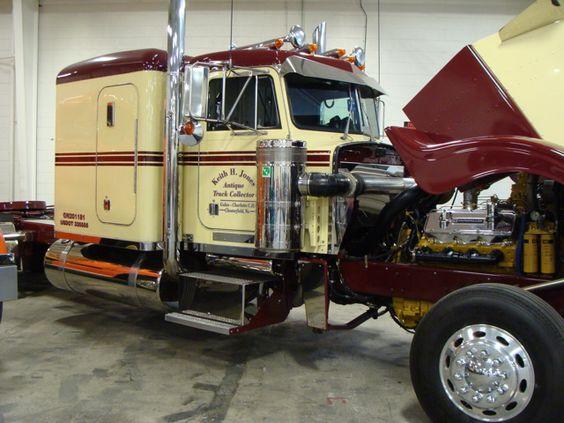 1986 Peterbilt 359 6X4 - Keystone Antique Truck & Tractor Museum