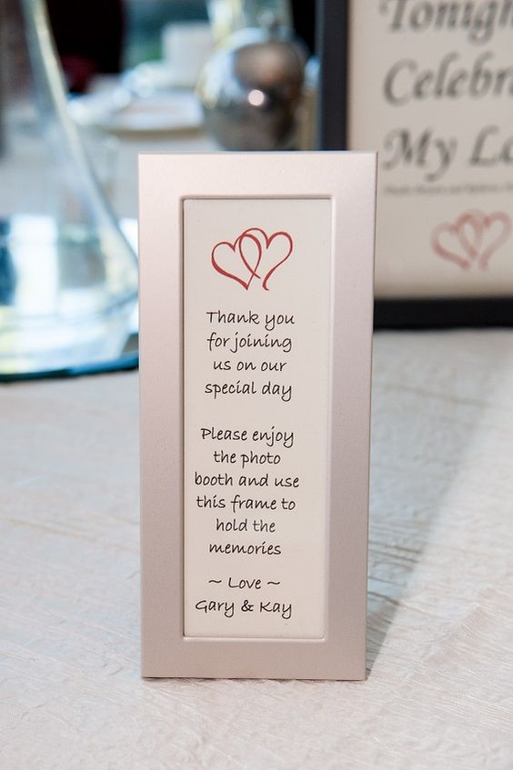 Love This Frame Its The Perfect Photo Booth Favor Found It In Black Also