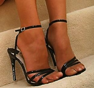 Sandal with pantyhose