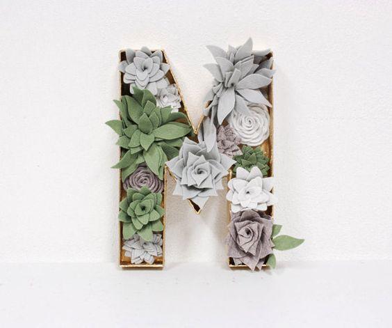 Filz Blumen Buchstaben  Buchstabe M mit Filz von SugarSnapBoutique