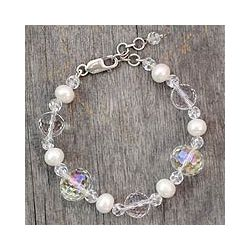 Sterling Silver 'Spellbound' Pearl and Quartz Bracelet (8 mm)(India)