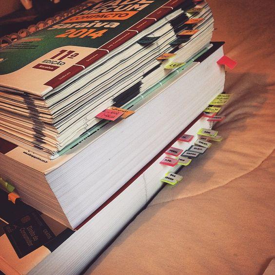 """study—harder: """"Making up for yesterday! ____ Compensando ontem e terminando o planejamento de hoje? NÃO! #study #studying #studyblr #studygram #studyhard (em study—harder.tumblr.com) """""""