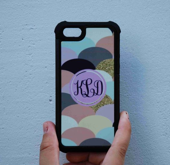 custom monogrammed phone case.  Made to order by CBreezeDesign Get yours today!