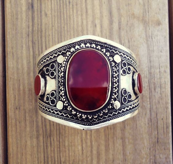 Afghan bracelet- Vintage Turkmen Yemeni Aqeeq  Cuff Bracelet. Bohemian Cuff- Bangle Bracelet. Aqeeq cuff. Ethnic Stone Bracelet. Kuchi Cuff