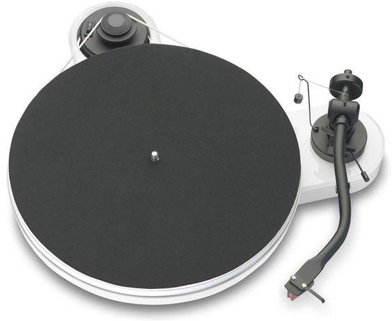 Platine vinyle Project RPM 1.3, je ne connais la qualité de ce produit mais le design me plais énormément!
