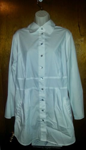 Avenue Long Sleeved Button Down Shirt Size 18-20