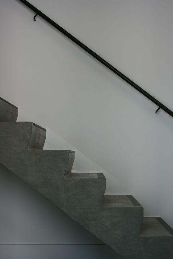 Declerck daels architecten trap betontrap trapleuning staal interieur stair s - Interieur trap ...