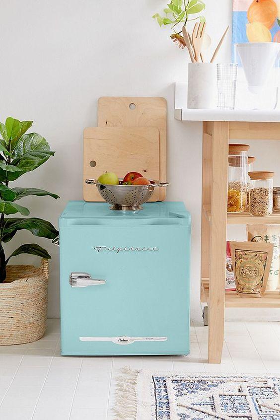 retro turquois mini fridge for dorm room - todaywedate.com
