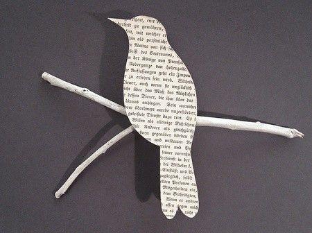 un oiseau en papier journal trop chou avec du. Black Bedroom Furniture Sets. Home Design Ideas