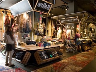 new desigual store in milan
