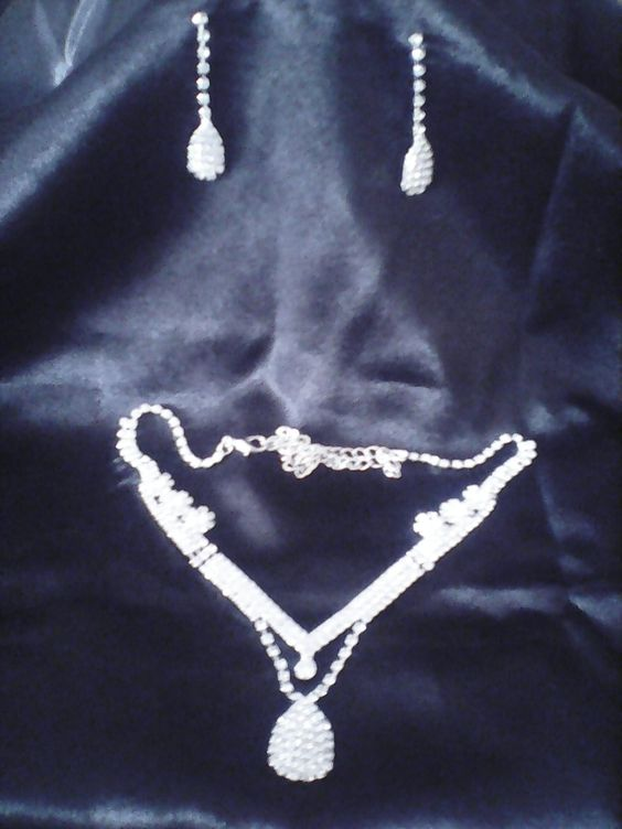 WATER DROP NECKLACE GIFT SET
