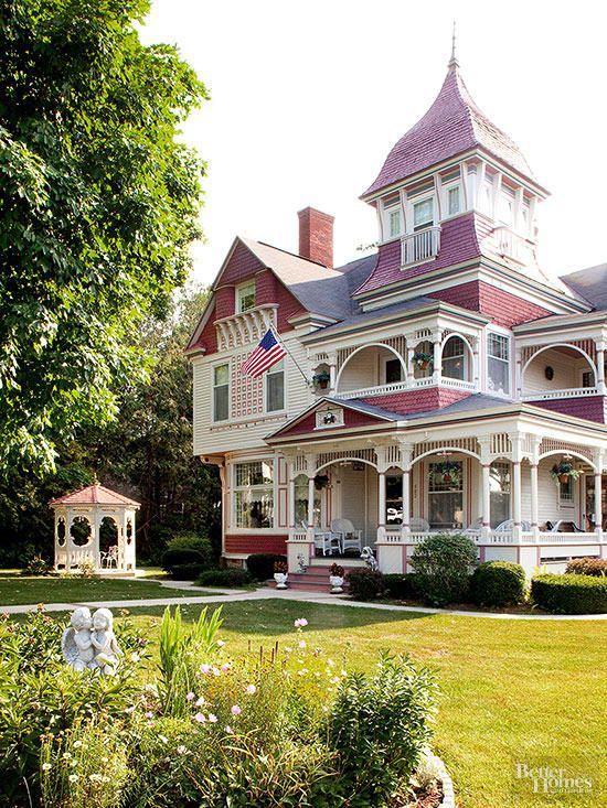 17 Victorian Style Houses With Stunning Decorative Details Victorian Style Homes House Styles Victorian Homes