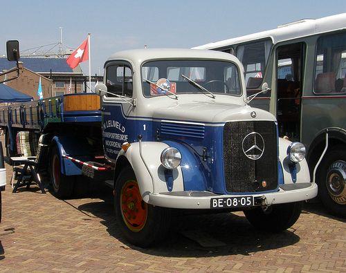 Mercedes Trekker Met Oude Daf Oplegger Mercedes Benz Torpedo