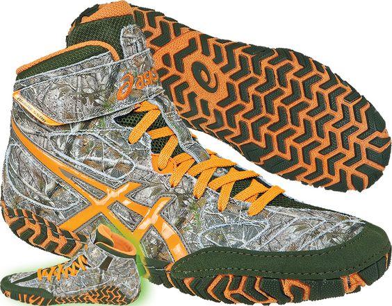 asics aggressor camo wrestling shoes