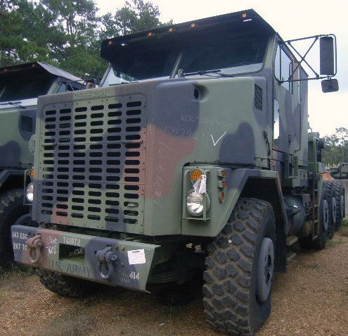 1993 Oshkosh M1070 Commercial Heavy Equipment Transporter (HET). VIN 10T1K4JXP1047921. Powered by a 8V92TA 500 HP Detroi