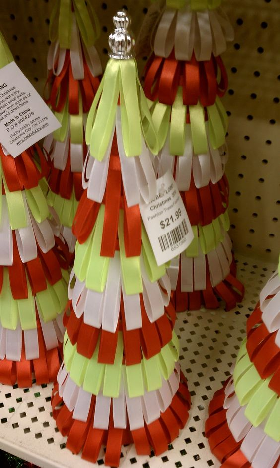 The Crafty Crystal: 12 Days of Christmas Crafts #5: Ribbon Tree