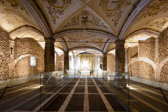 Capela dos Ossos - Évora, Portugal - Overview