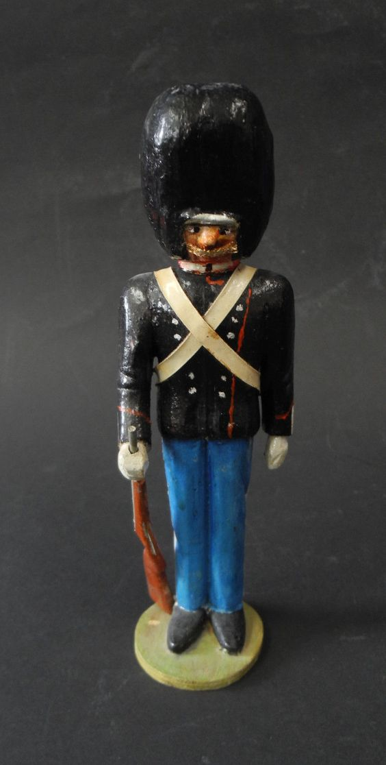 "antiker Holzsoldat geschnitzt bemalt "" Dänische Leibgarde "" um 1910 | eBay"