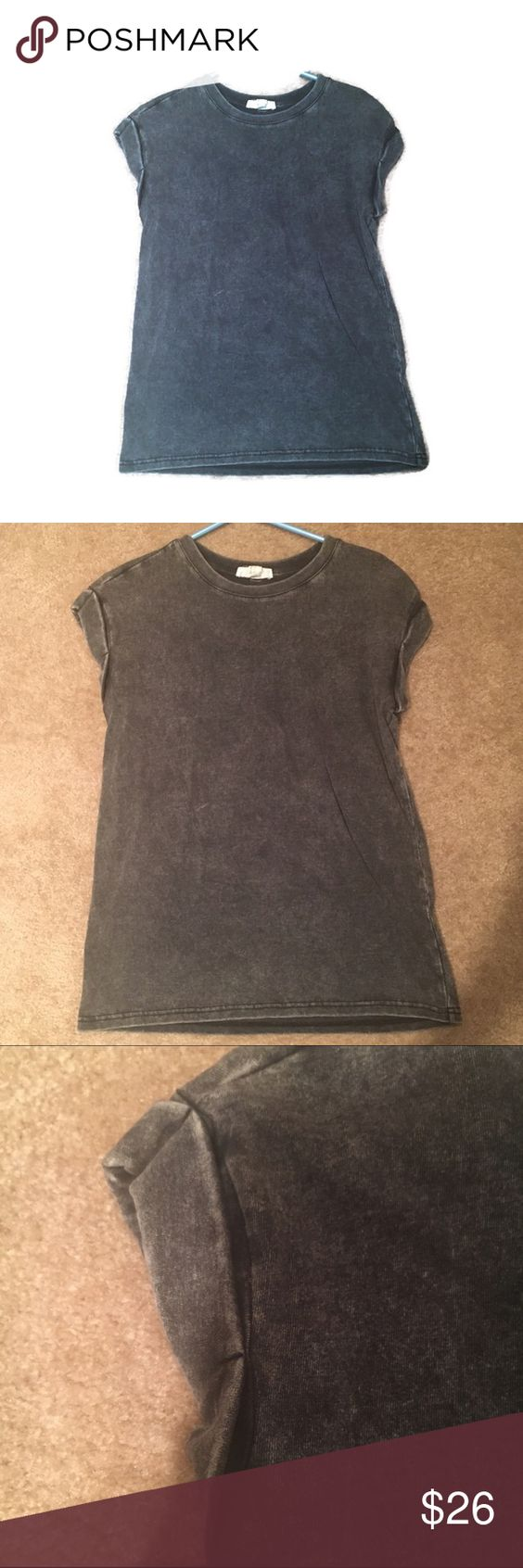 Grey acid wash grunge tee 16 inch bust and 26 inch length. Perfect condition grunge look Forever 21 Tops Tees - Short Sleeve