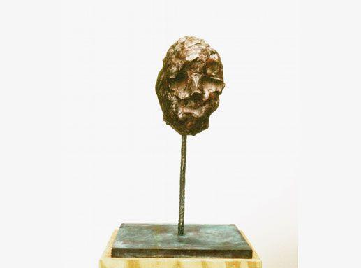 Günther Förg Maske, Bronze, 1990 Foto: Wolfgang Günzel © Estate of Günther Förg Courtesy Privatsammlung