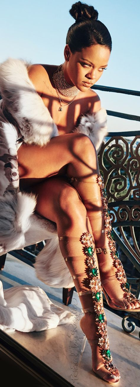 Rihanna image  2d7e88c182cdff7235caa8409e3dba47