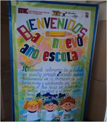 Peri dico mural del mes de agosto mural de bienvenida 1 for Editorial periodico mural