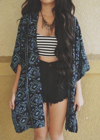 los kimonos es tendenciaaaaa! se queda por todo el 2015 ;):