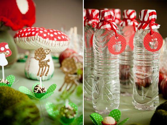 Os contos clássicos são sempre uma boa pedida para tema de festa infantil! Neste aniversário, com carinha handmade , Branca de Neve , o 7...