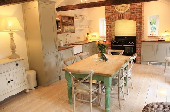 Renovated to the highest standard, this beautiful, spacious North Norfolk holiday cottage has sea views and a cottage garden. Discover more and book here.