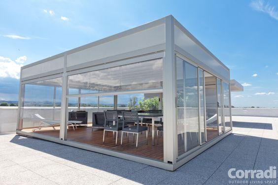 Ermetika. Cerramiento vertical de uso en terrazas, pórticos o pérgolas. Protege de la humedad y fuertes vientos.