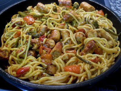 Paprika En La Cocina: Espaguetis con verduras y salchichas de pavo