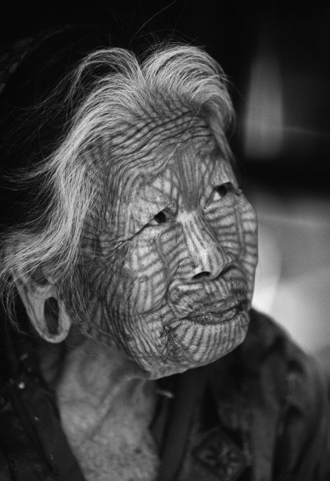 Burmese Tattooed Woman Mrauk U, Burma (Myanmar). Traditionally the Chin Tribe of Burma tattooed the faces of their women so they would not be abducted by other tribes. #culture, #history