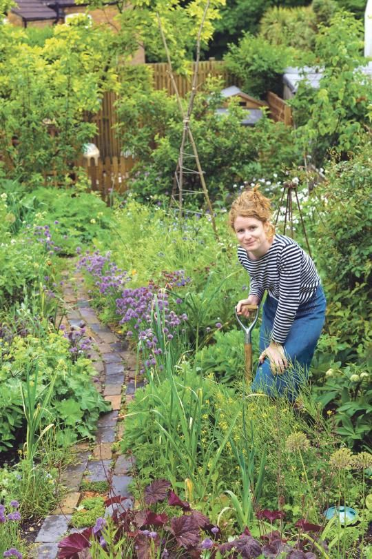 Epic garten am hang kies steine rand str ucher b ume Garten Inspiration Pinterest Garden ideas Gardens and Yards