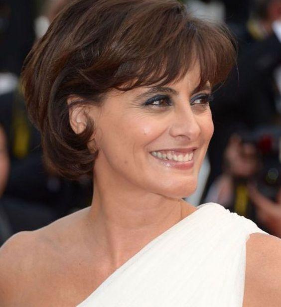 Carré court dInès de la Fressange Les plus belles coiffures du Festival de Cannes