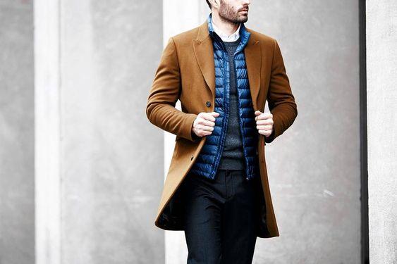 Nếu những chiếc áo lông vũ chưa đủ để bạn cảm thấy tự tin về độ ấm áp thì bạn có thể mix với những chiếc áo khoác dạ dáng dài tăng thêm nét nam tính cho tổng thể trang phục