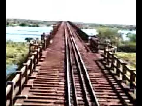 Trem na ponte do Rio Paraguai