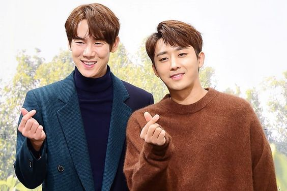 """Yoo Yeon Seok And Son Ho Jun Talk About Inviting Celebrity Friends Such as TVXQ's Yunho, Lee Kwang Soo, And More Onto """"Coffee Friends"""""""