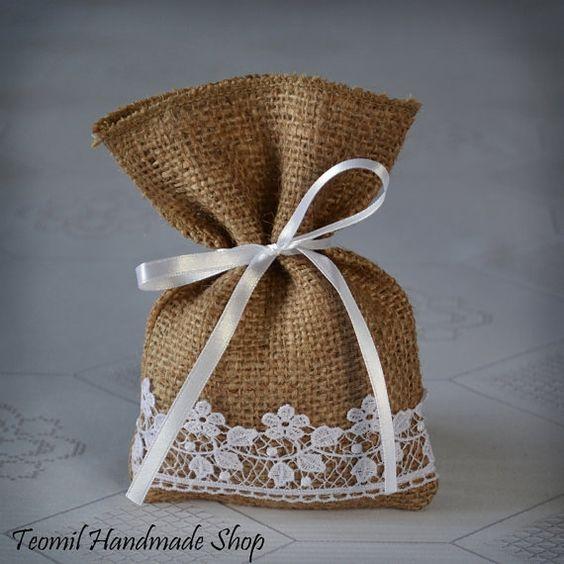 Bolsa de dulces a Favor boda bolsa de arpillera por Teomil en Etsy, $40.00