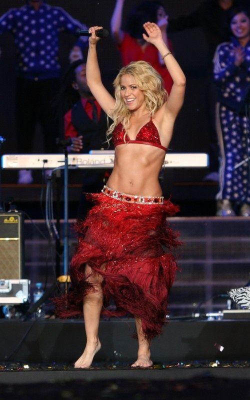 Shakira ♥ amazing body.   Shakira   Pinterest