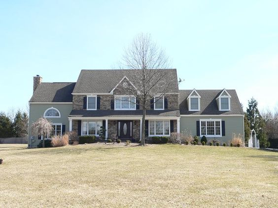 Certainteed Monogram Clapboard Vinyl Siding In Cypress Raised Panel Black Shutters New Gutters And Leaders Cultured Siding Options House Yard Vinyl Siding